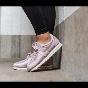 NWB Nike Classic Cortez Nylon